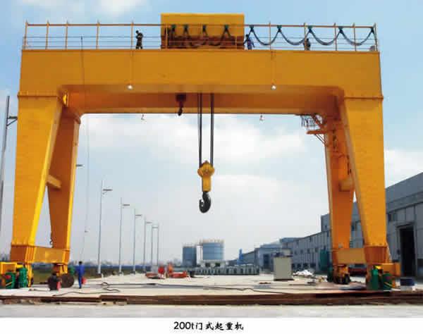 200吨门式起重机