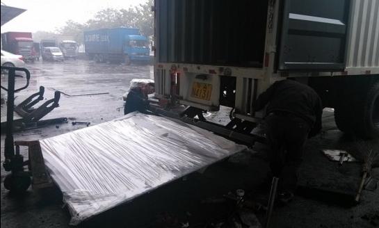 高效安全节约成本货车尾板越来越普及