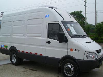 南京依维柯 125马力 4X2 冷藏车