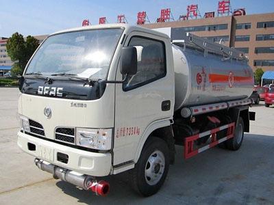 东风 小多利卡 99马力 4X2 加油车(湖北楚胜牌)