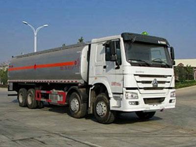中国重汽 HOWO 340马力 8X4 运油车(湖北楚胜牌)
