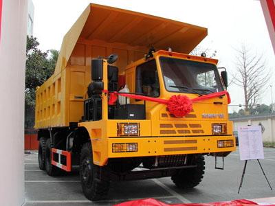 红岩 金刚矿霸 371马力 6X4 宽体矿用自卸车